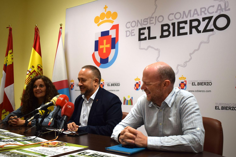 Pablo Linares, Gerardo Álvarez Courel y Silvia Cao