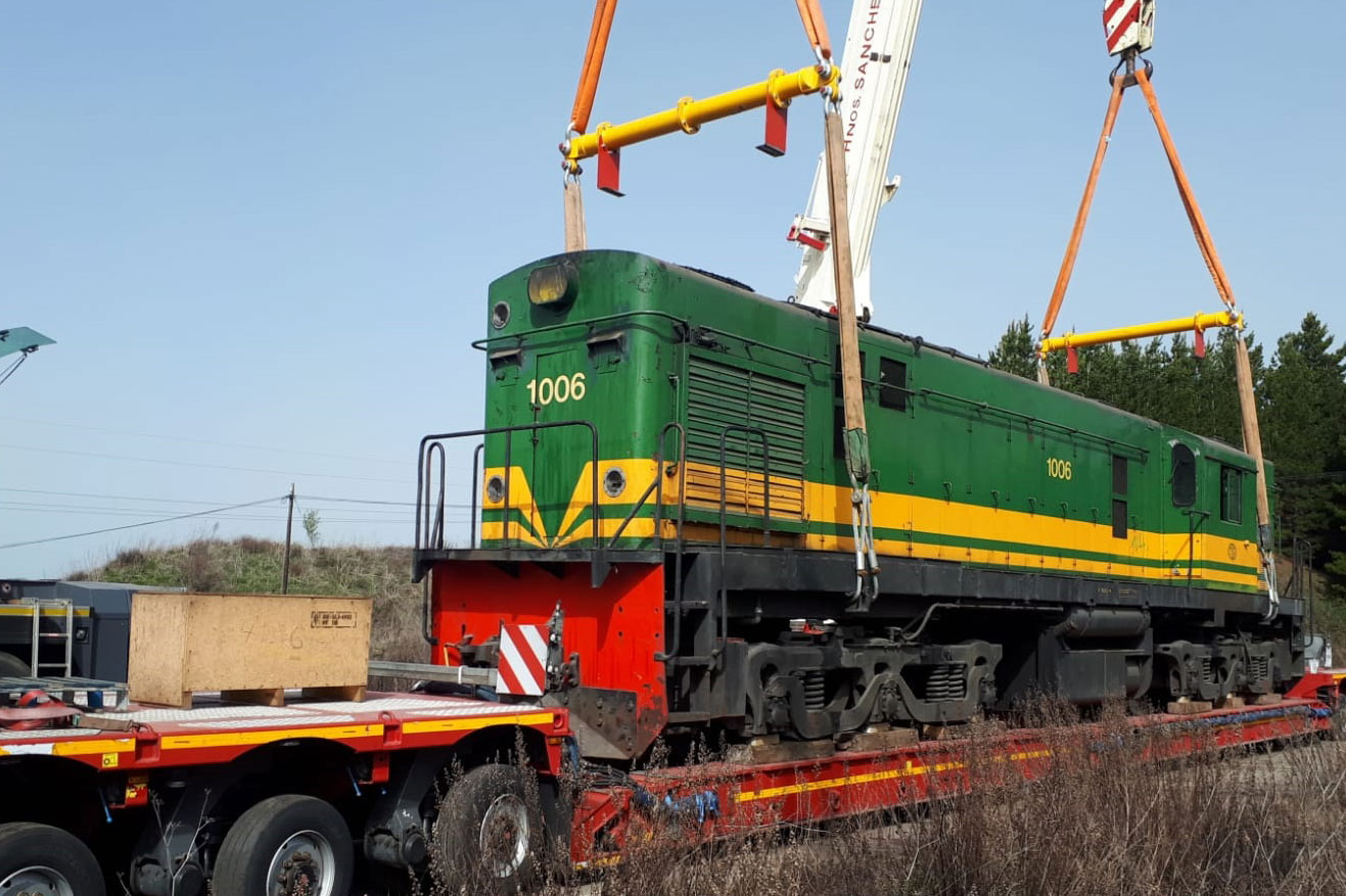 Traslado de la locomotora de Ponfeblino