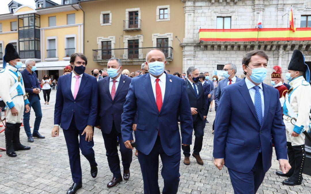 El Presidente reivindica el papel de la Comarca y lanza un mensaje de optimismo en su discurso del Día de El Bierzo